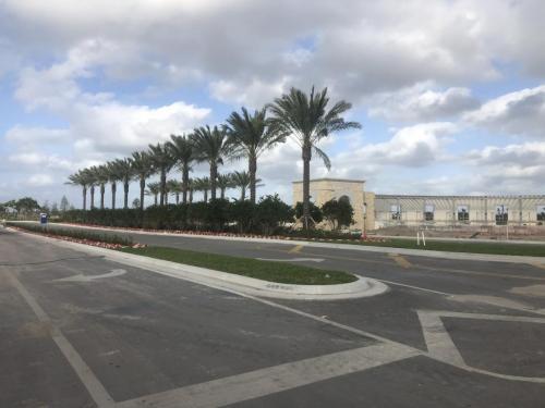 avenir community entrance in palm beach gardens